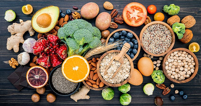 Plant-Based Fiber-Rich Foods: 30 Fiber-Rich Foods with Tables